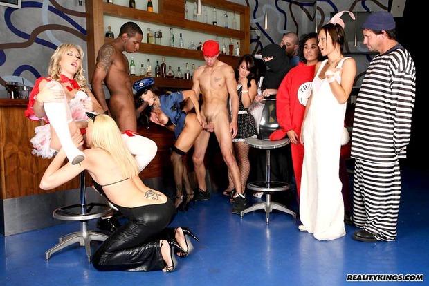 костюмированное фото порно