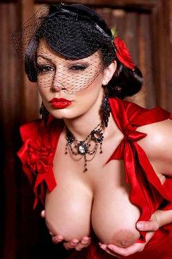 Aria Giovanni In Red
